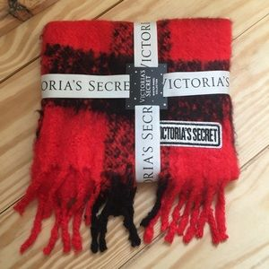 Victoria's Secret red black checkered chunky scarf
